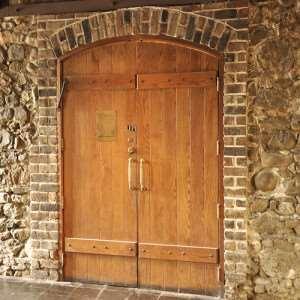 деревянная-дверь