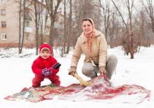chistim-kover-snegom